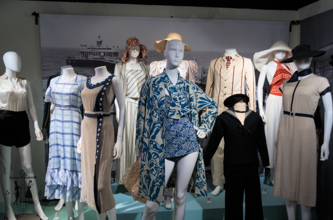 30's exhibition with Mun_IMG_0979.jpg